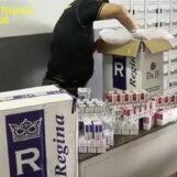 VIDEO / Cento chili di sigarette di contrabbando sequestrati da Finanza Napoli: arrestato pregiudicato