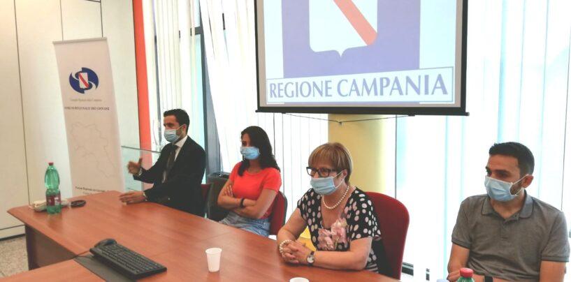 """Il maglificio di Quindici continua a produrre mascherine. """"Un bel messaggio anche contro la criminalità organizzata"""""""