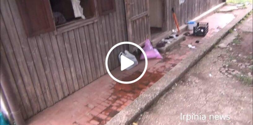 VIDEO/Montella: centinaia di persone vivono ancora nei prefabbricati del terremoto del 1980, tra amianto, immondizia e degrado