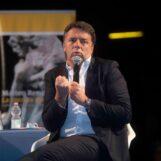 """FOTO E VIDEO / """"Il lavoro è la priorità per questo Paese, tutto il resto solo chiacchiere"""" """"Salvini è rimasto ai fantasmi del Papete"""". Da Avella ecco Matteo Renzi"""