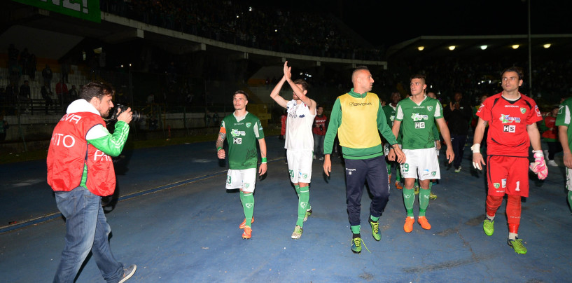 Avellino Calcio – Sansone gela i lupi: il Bologna ipoteca la finale. Rivivi il live