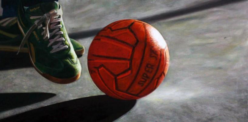 Minaccia i bimbi che giocano a pallone. Nei guai un pensionato