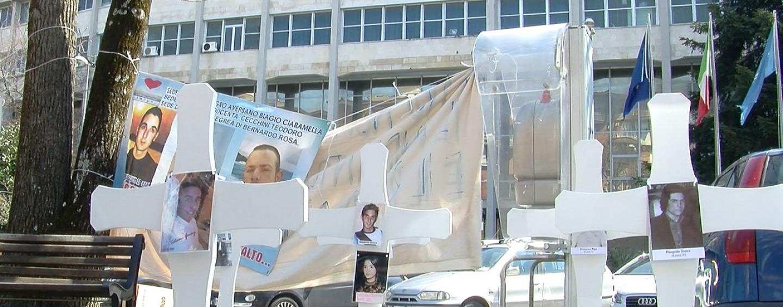 Quattro anni fa la strage del bus, oggi una messa per ricordare le vittime