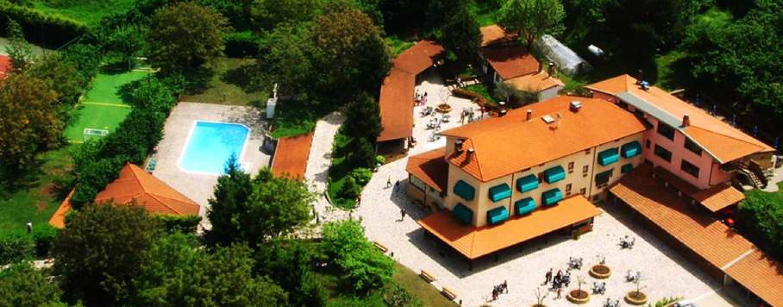 Estate, i turisti preferiscono gli agriturismi: in Campania il 70% passa prima per il web