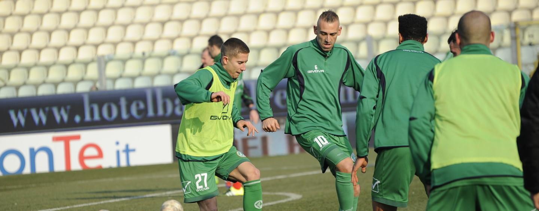 Avellino Calcio – Tesser vara l'undici anti-Bari: pronte le novità in difesa