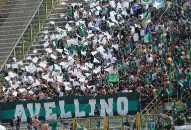 Avellino-Bologna, assalto al botteghino: sarà pienone. 2500 biglietti al ritorno: basteranno?