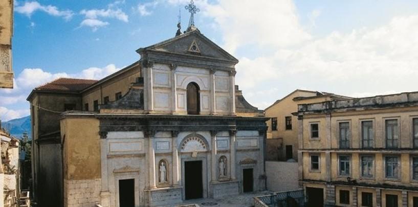 Duomo di Avellino centro del turismo religioso, tra Porta Santa e reliquie della croce