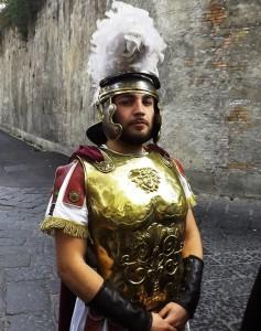 Eduardo Venezia nelle vesti di Pilato