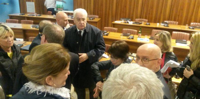Avellino, ancora fuoco amico sul sindaco: Foti sempre più solo