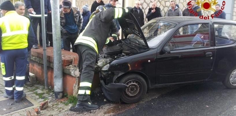Incidente stradale a San Tommaso, intervengono i Vigili del Fuoco