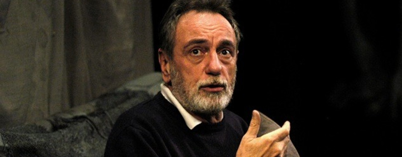"""Morte De Filippo, il <b>teatro """"Carlo</b> Gesualdo"""" gli dedica una poltrona - Luca-De-Filippo-e1448658052996-1440x564_c"""