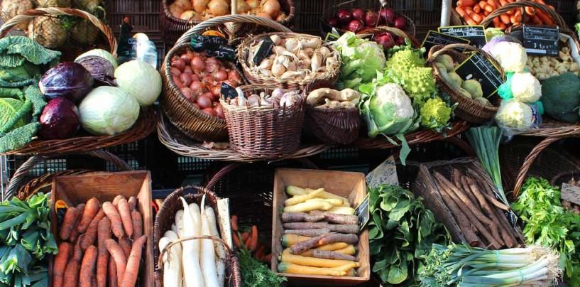 Consumi: da +4% frutta a +17% olio, ecco il ritorno della dieta mediterranea
