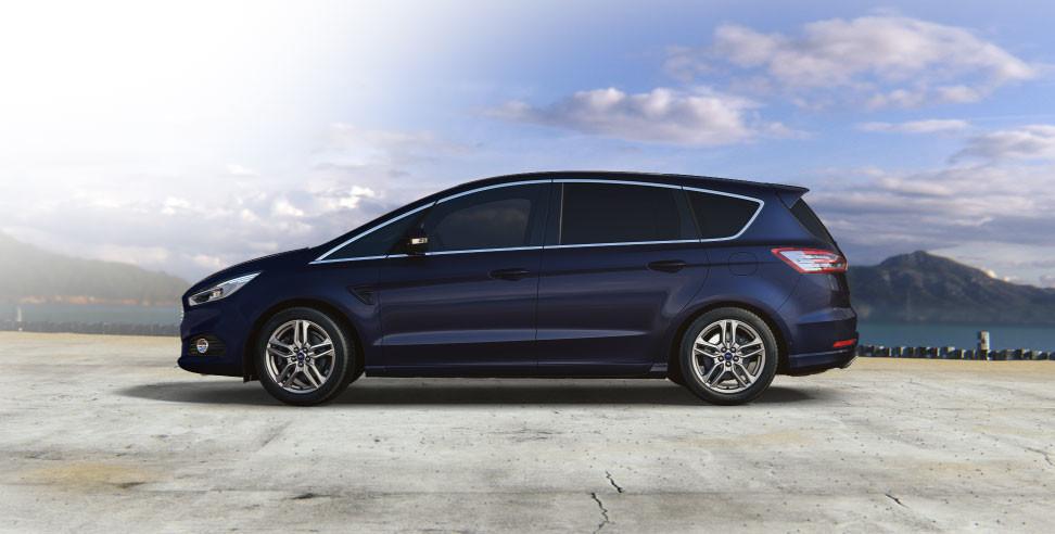 Nuova SMAX Ford