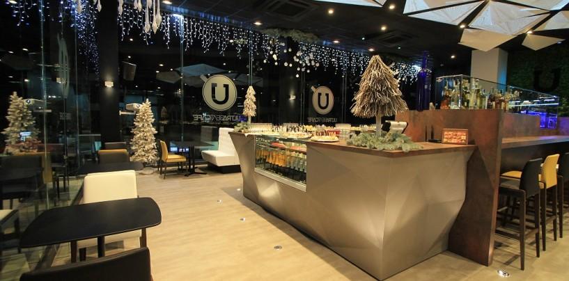 Ultra Beat Cafè, stile e tendenza per l'aperitivo di Natale: domani dalle 11.30 alle 20, musica e buon cibo
