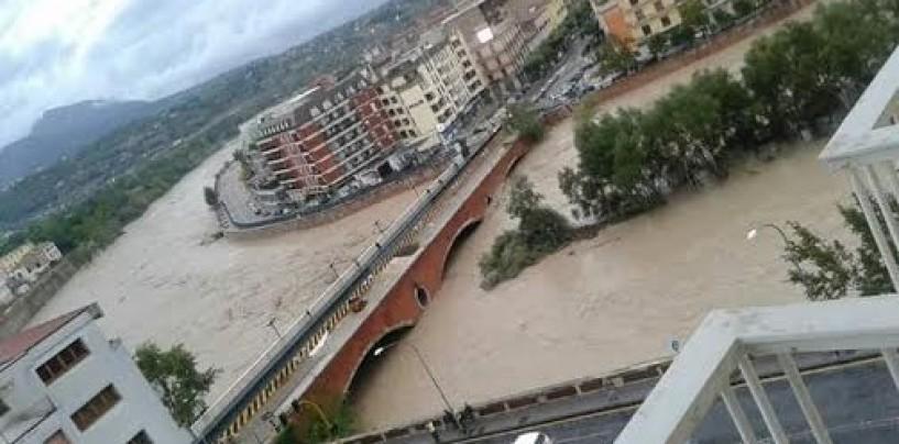 FOTO/ Benevento – Esonda il fiume Calore: morta una donna