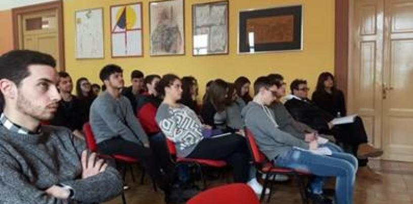 Proseguono le lezioni all'Istituto Amabile dei funzionari del Comune di Avellino
