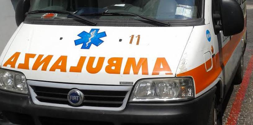 Camion travolge un'auto ad Ariano, in ospedale una donna