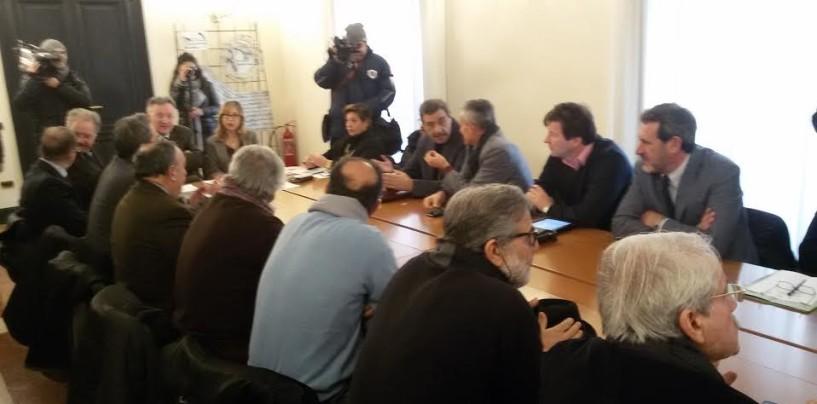 Vertenza Cgs, sindacati incontrano operai al Centro Sociale