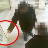 Furbetti del cartellino all'Asl di Avellino: scintille in Aula sul riconoscimento degli imputati