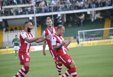 Calcio – Notte fonda per l'Avellino: il Vicenza passeggia e schianta i lupi. Rivivi il live