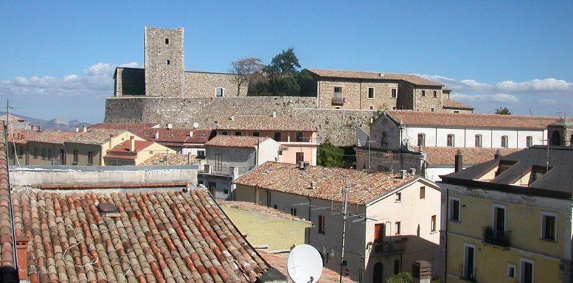 'Percezioni nascoste', il castello di Bisaccia ospita le opere di Ceglia