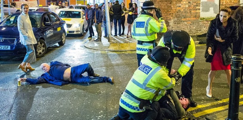 """Un """"tranquillo"""" Capodanno a Manchester. Lo scatto diventa virale anche in Irpinia"""