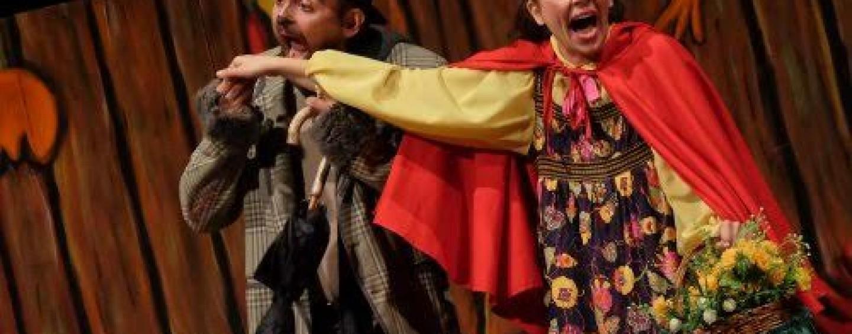 """Al """"Gesualdo"""" con Cappuccetto Rosso inizia la nuova stagione del teatro per ragazzi"""