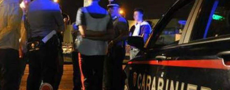 Ruba un'auto e provoca incidente, i Carabinieri lo intercettano nel centro di Avellino
