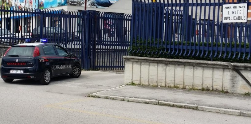 Scappa dopo aver sfondato una cabina elettrica e provocato un blackout: identificato dai carabinieri