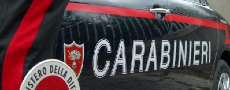 Controlli dei Carabinieri: due segnalazioni per droga, nove fogli di Via