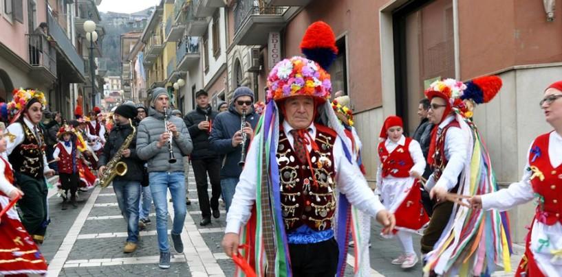 Carnevale Princeps Irpino, gran finale domenica a Mercogliano con centinaia di figuranti da tutta l'Irpinia