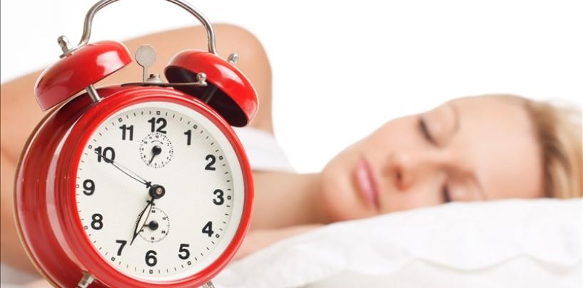 Carenza di sonno e insonnia: una ricerca evidenza effetti sul cervello simili all'ubriachezza