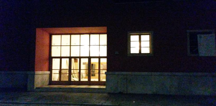 FOTO/ Luci di notte all'Eliseo, la Casa del Cinema di Avellino come non l'avete mai vista