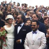 Vinicio Capossela celebra lo sposalizio del neo segretario della Cgil irpina
