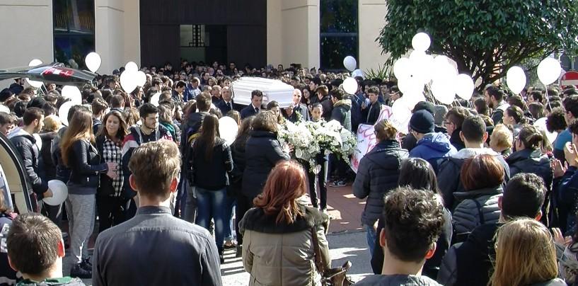 """Avellino, i funerali di Gaetano Terranova: """"Continua a stupire"""""""