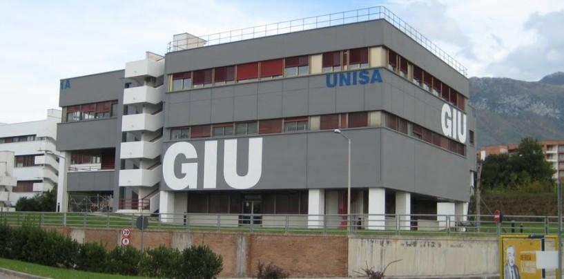 Università di Salerno – Mancano le date degli esami a Giurisprudenza, studenti in protesta