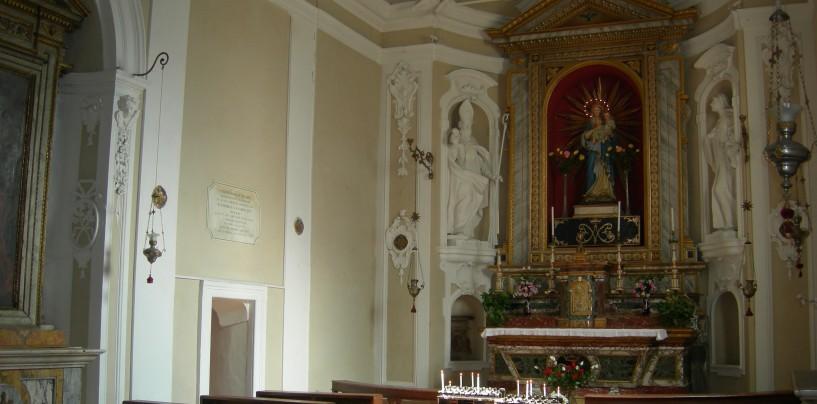 Sperone, ladri in azione nella chiesa dell'Annunziata: rubati calici e offerte