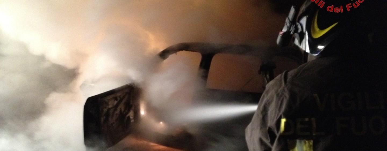 A fuoco due autovetture a Montoro