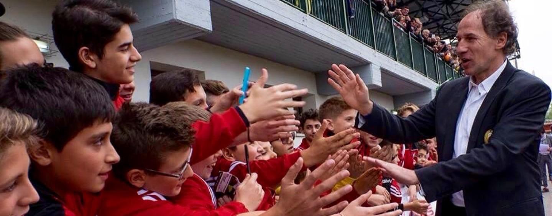 Lo stadio di Lioni si trasforma nella Curva Sud di San Siro, l'Irpinia saluta Baresi