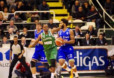 Basket – Finale da brividi al Del Mauro, stavolta brinda Avellino: l'Enel è battuta