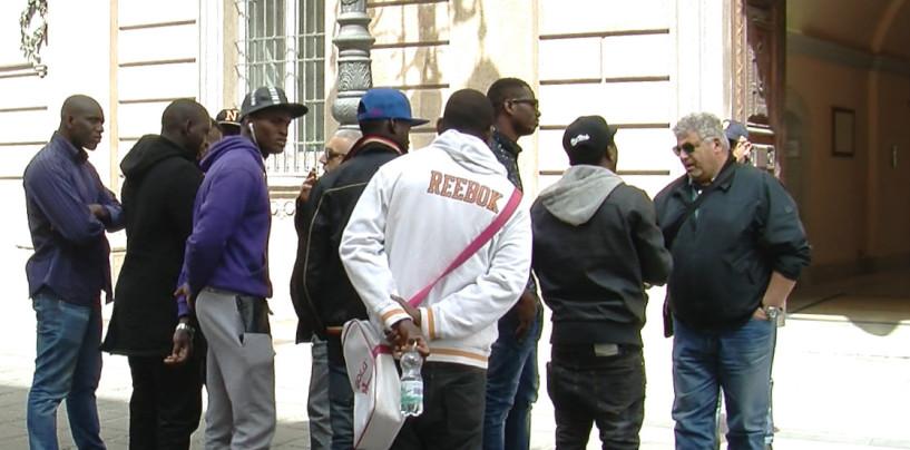 """Trenta immigrati ad Avellino. """"Sindaci e governatori della Lega diranno di no"""""""