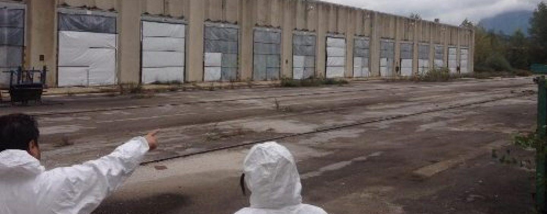 """Ex Isochimica, l'ordinanza di Foti: """"Vietato estrarre acqua nell'area della fabbrica killer"""""""