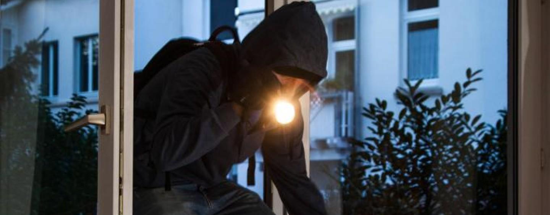 Ladri all'opera nel Mandamento: svaligiata una villetta a Quadrelle