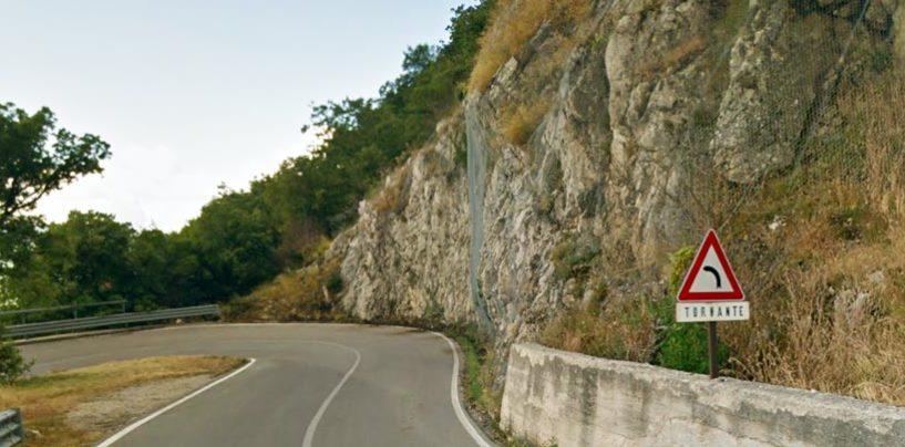 Chiusa la strada per Montevergine, sit-in in Prefettura