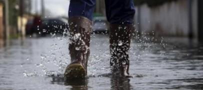 VIDEO/ Bomba d'acqua sull'Irpinia: strade e quartieri allagati in pochi minuti