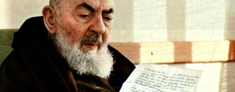 In una profezia di Padre Pio, il suo ritorno domani a Pietrelcina