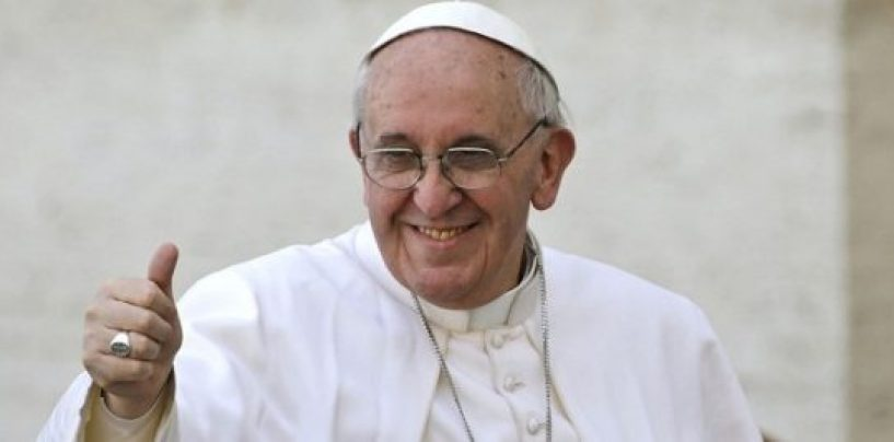 """I lavoratori scrivono al Papa: """"Siamo disperati, aiutaci"""""""