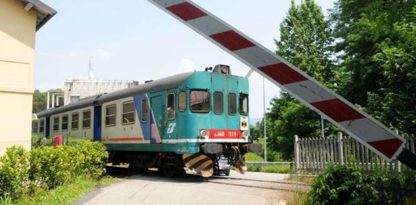 Benevento – Treno travolge un'auto ad un passaggio a livello: un morto