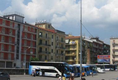 I pullman da piazza Kennedy a Campo Genova. Isola ecologica all'ex mattatoio