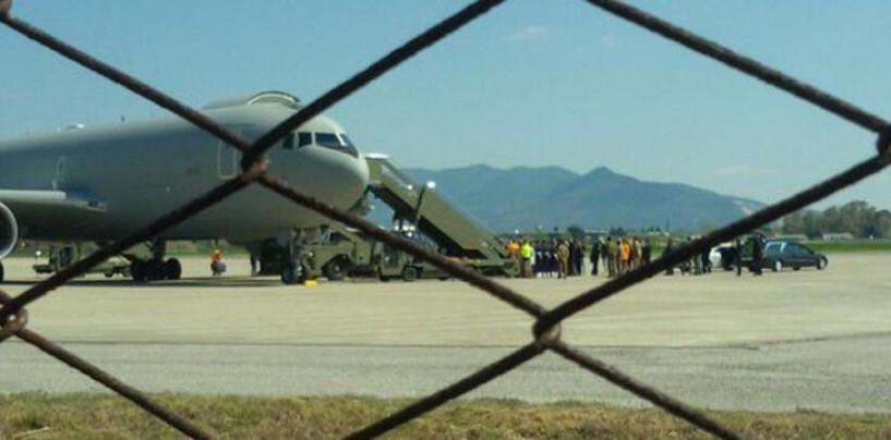 Strage Erasmus, atterrato a Pisa l'aereo con le salme di Elena Maestrini, Lucrezia Borghi e Valentina Gallo